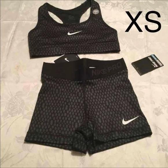 nike pro shorts and bra set